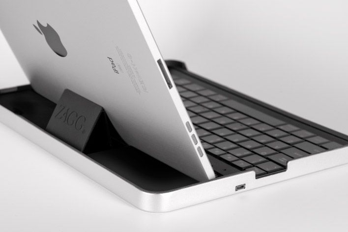 ZAGGmate keyboard case for the iPad 1 $99.99