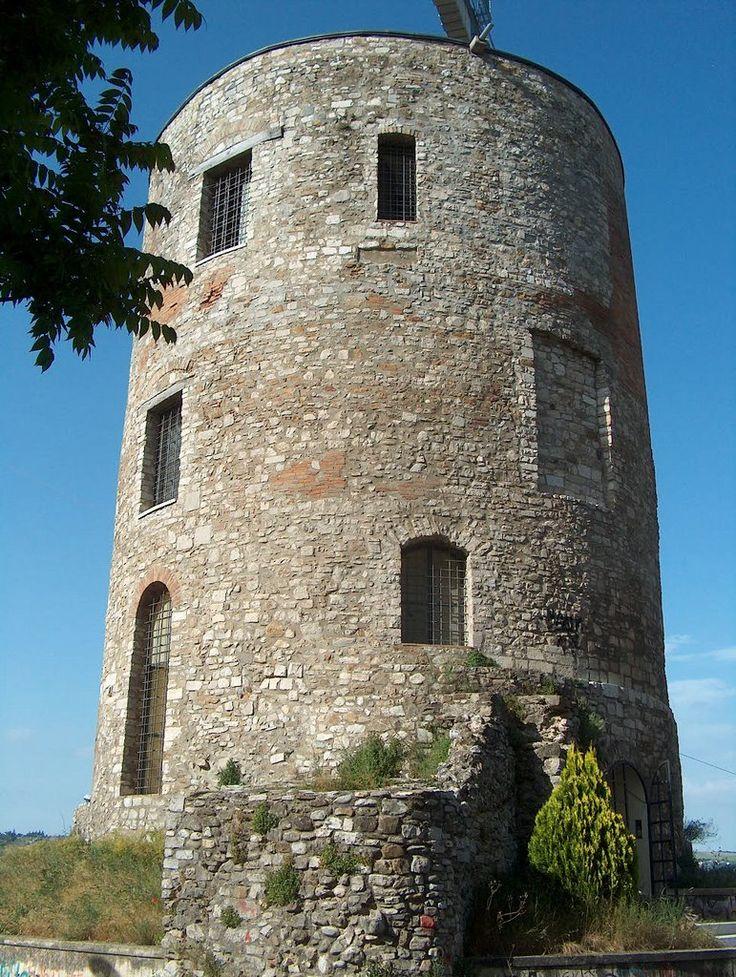 Potenza- Torre Guevara traccia di un antico castello mediovale