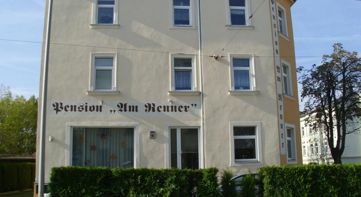 Pension Am Renner Dresden Located in the Cotta district of Dresden, this guest house offers accommodation as well as a hearty breakfast buffet in the morning.