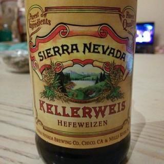 Sierra Nevada Kellerweis Hefeweizen: banana and lemon. Definitely worth it! #craftbeer #SierraNevada