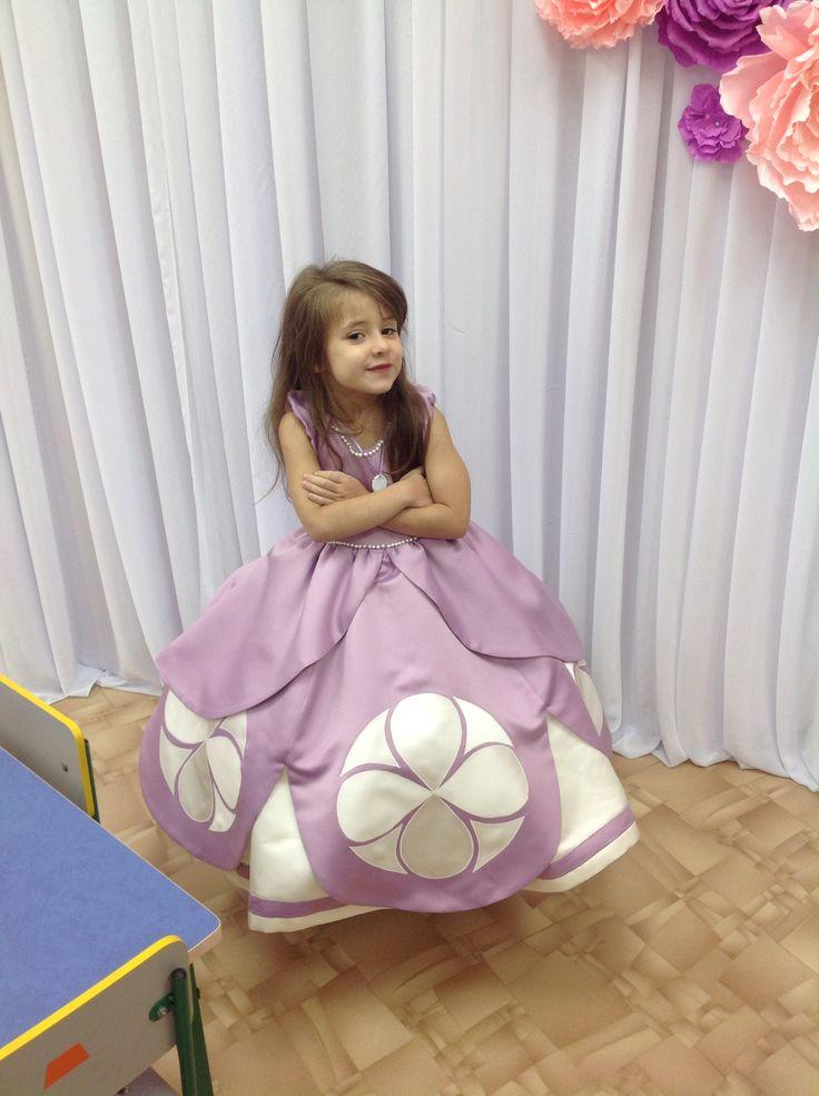 Платье принцесса София выполнена свадебным салон Николь г. Тирасполь