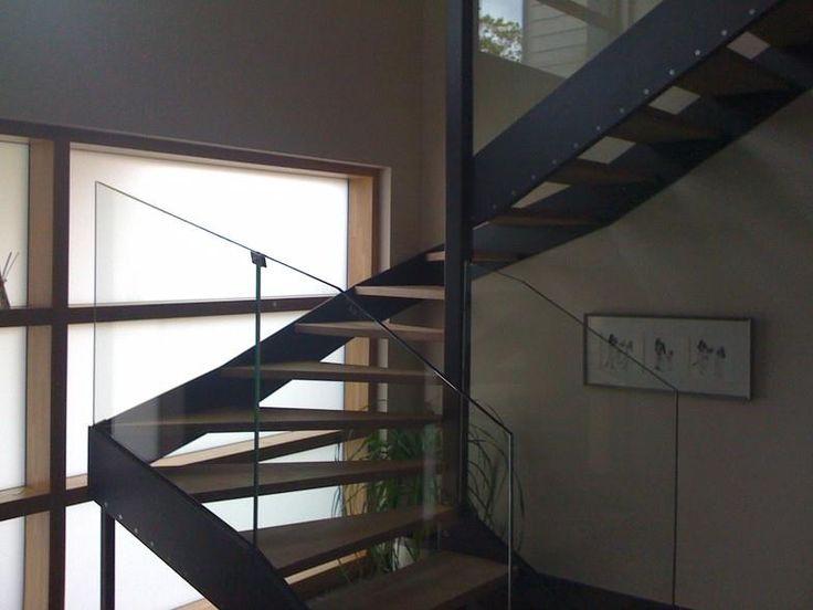 les 25 meilleures id es concernant escalier 2 4 tournant. Black Bedroom Furniture Sets. Home Design Ideas