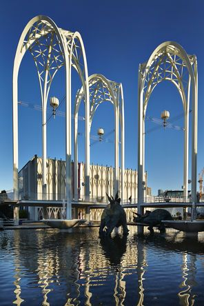 "Which ""historic"" Seattle modern architecture is worth saving? Here, Minoru Yamasaki's Gothic-arch inspired sculptural forms at Pacific Science Center"