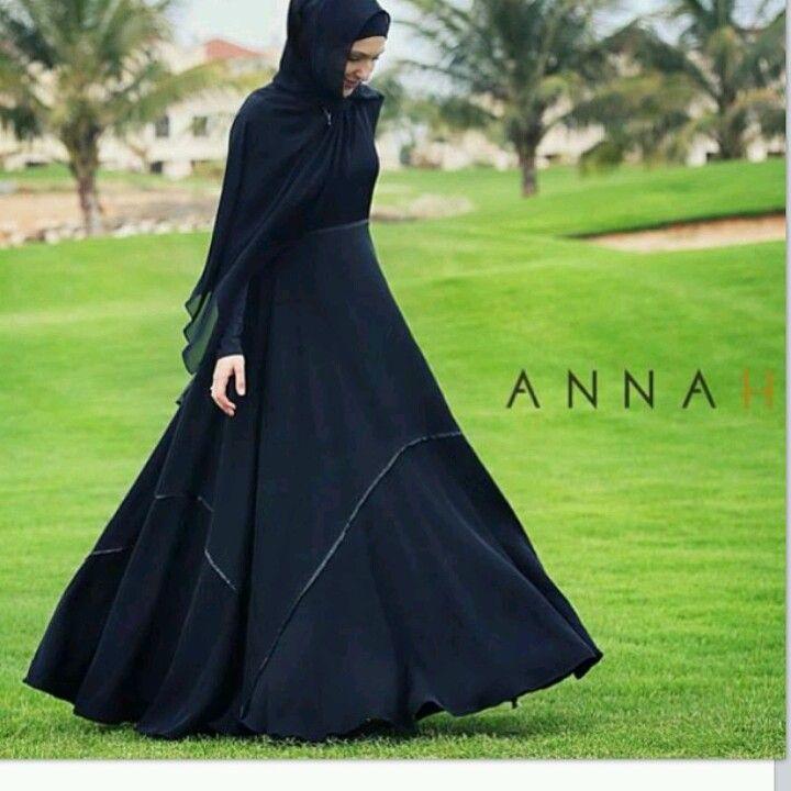 Simply elegant black abaya.....