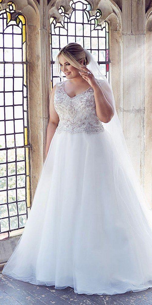 leahs designs plus size wedding dress / http://www.deerpearlflowers.com/plus-size-wedding-dresses/