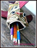 Sew a Zip Lipped Fish Pouch #LipPencilColors