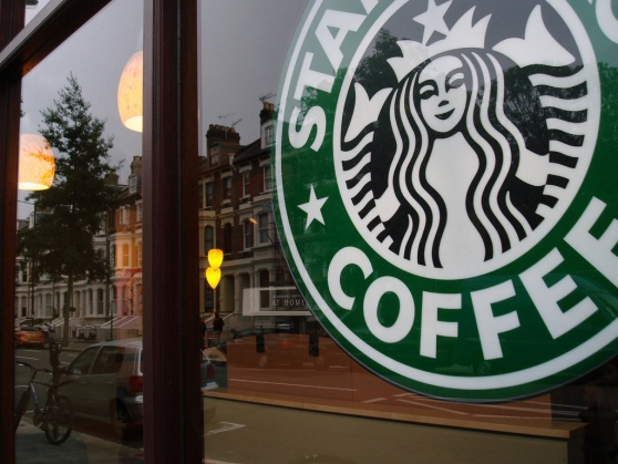 Deepening its partnership, Starbucks starts selling Square creditcardreaders