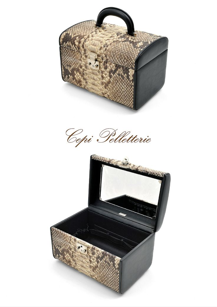 #Beautycase made with #white #python #leather: it's an useful and elegant solution for carry and protect make up and beauty products. 100% #MadeInItaly  Ready for the adventure! #LeatherAdventure #CepiPelletterie #travel #makeup #woman  Find more: http://goo.gl/KMxT28