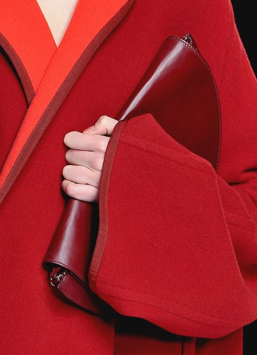 red: Fashion Details, Fashion Bags, Clutches, Shades Of Red, Colors Combinations, Girls Fashion, Girls Shoes, Red Coats, My Style