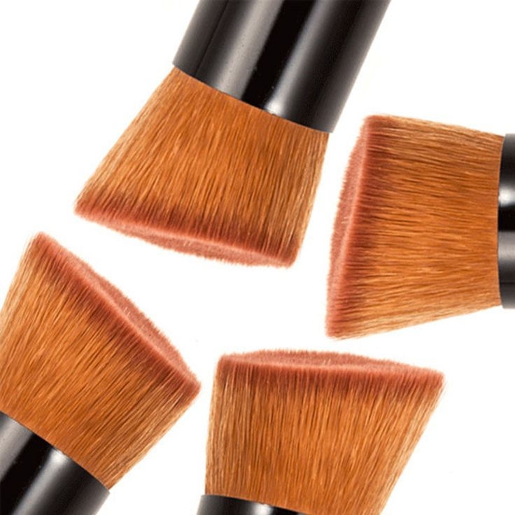 2 PZ Pennelli Trucco Per Le Donne Correttore In Polvere Blush Liquid Foundation Brush Set di Legno Pennello Kabuki Cosmetici Strumenti