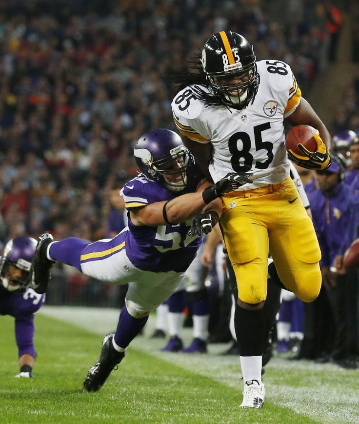 5e4742ce0 ... Limited Jersey Minnesota Vikings linebacker Chad Greenway ttys to bring  down Pittsburgh Steelers tight end David Johnson during ...