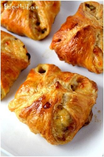 Philly cheesesteak puff pastries recipe. Like the grown up version of pizza rolls ;)