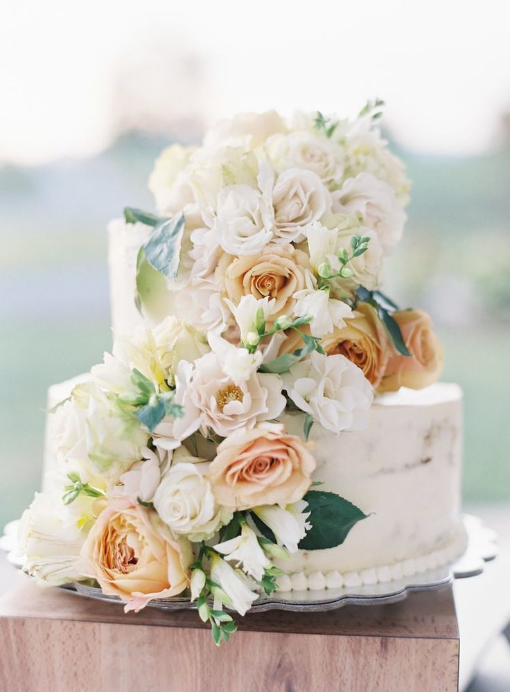 wedding cakes in lagunbeach ca%0A    of the Prettiest Floral Wedding Cakes