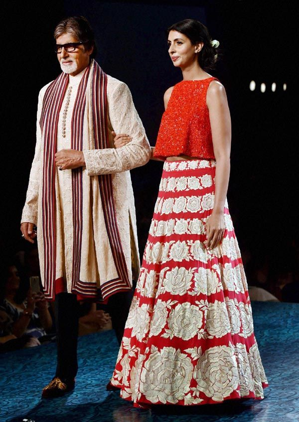 #Mizwan Welfare Society was established by well-known poet and social activist late #KaifiAzmi in 1993 to empower the #RuralWomen. After his demise in 2002, Veteran Actress #Shabana Azmi and her god child #Namrata Goyal carried forward the legacy. In 2012, #Fashiondesigner Manish Malhotra supported the cause by adopting the #chikankari centres which created employment #opportunitiesforwomen.