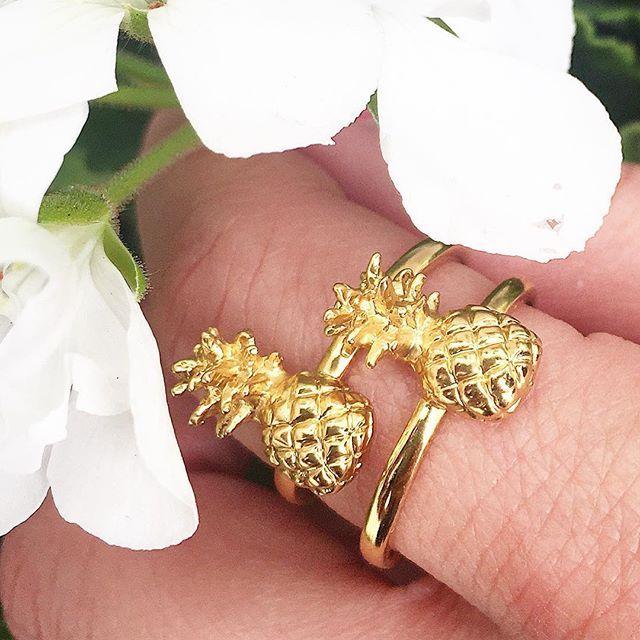 🌿🍍 Pineapple Ring || Online Exclusive || Was £40 Now £28 🍍🌿 . . . #BillSkinner #Pineapple #PineappleJewellery #americana #GoldPineapple