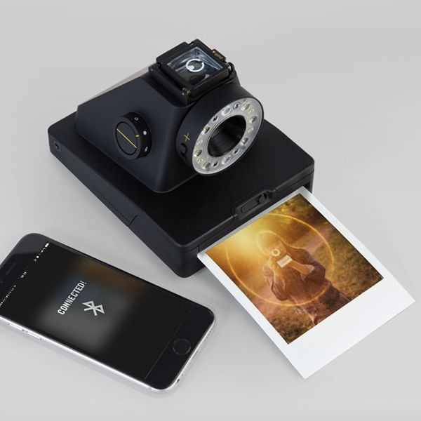 The I-1 is the first new camera system in over twenty years for the original Polaroid® photo format.