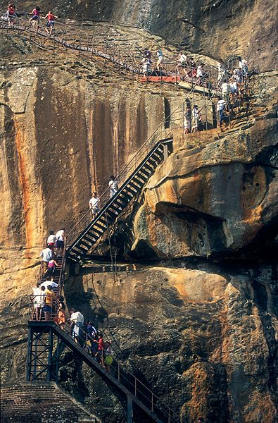 Climbing the Rock, Sigiriya, Sri Lanka (www.secretlanka.com)