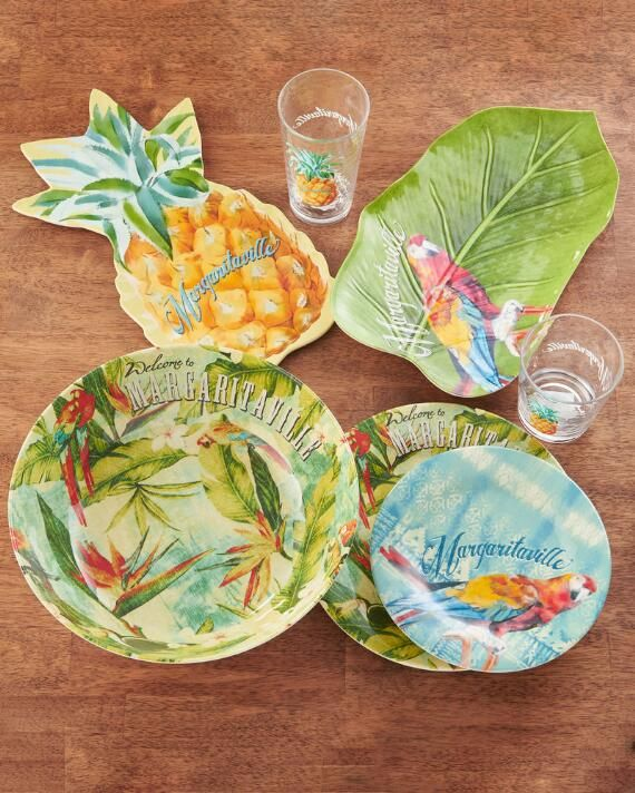 Infuse easygoing, island charm into your #entertaining style with this tropical printed #dinnerware and #serveware.