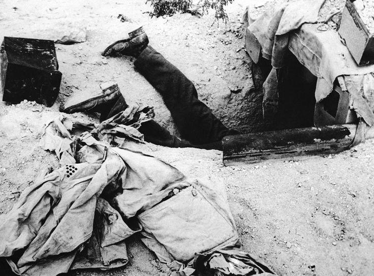 Este alemán había buscado protección en un refugio antiaéreo, tratando de escapar de un ataque aliado en el desierto de Libia, 1º de diciembre de 1942. No lo logró.
