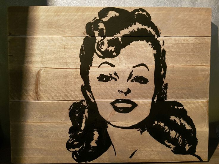 #vrouw #zwart wit #steigerhout