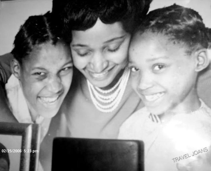 Johannesburg, South Africa - Nelson and Winnie Mandela's daughters, Zenani (Zeni) and Zindziswa (Zindzi)
