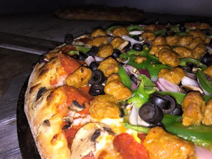 Mouthwatering? Order now! #BMPPBurbank  www.bigmamaspizza.com/locations/burbank/  #Burbank #Pizza #Foodie #PizzaParty #Delicious #Hungry #Nom #Yummy #BeautifulPizza #PizzaLover #PizzaDelivery #Italian #Lunch #Dinner #PizzaGram #LA #California #YumYum #FoodComa #LosAngeles #Tasty #Delish #GoodEats #InstaFood #InstaPizza #GoodFood