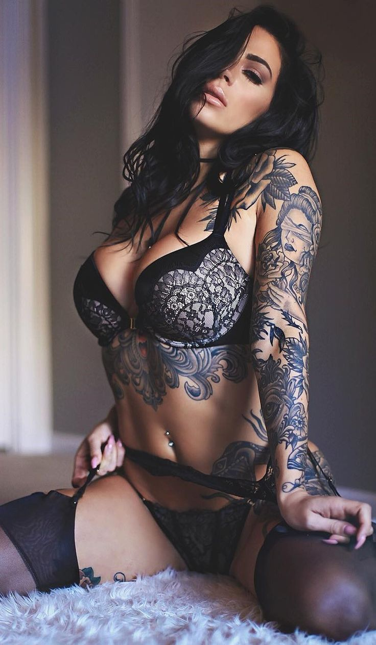 Nude tattooed pussy
