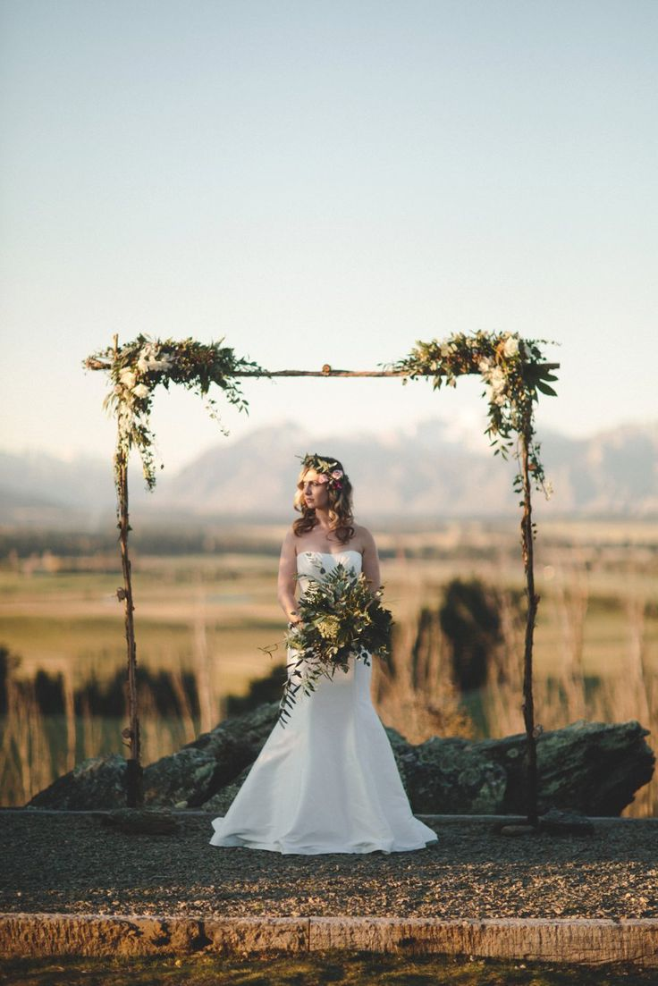 photoshoot at Criffel Station Woolshed pic: Williams photography Flowers: http://www.wanakaweddingflowers.co.nz