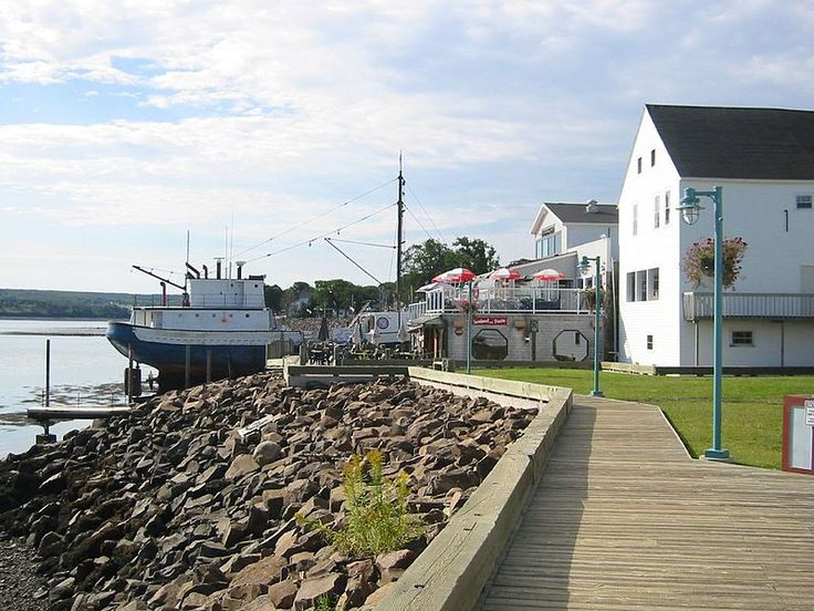 Digby NS Boardwalk and Boardwalk Cafe - Lovely place to stroll to work off a meal of fried Digby scallops. #WinWithDigbyPines
