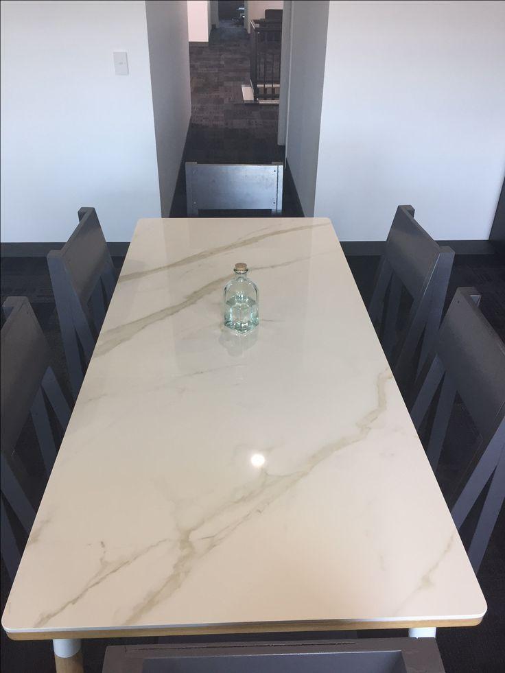 Calacatta Oro Venato Lucidato 1620x3240x12mm Table top.
