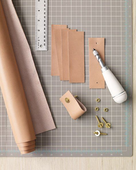 leather drawer pulls mld106067_0910_leatherht2.jpg