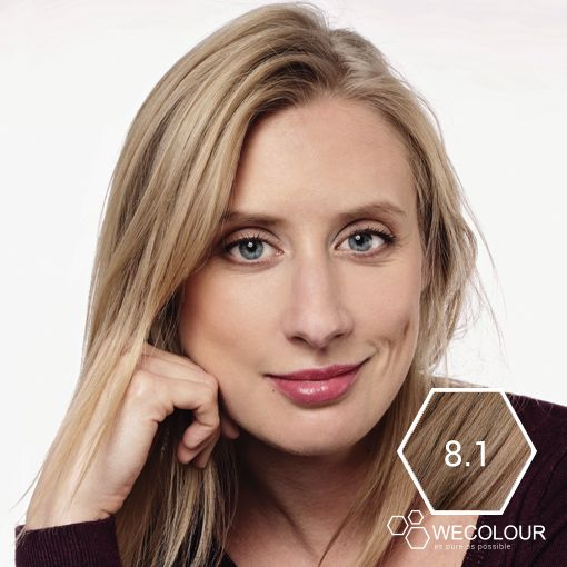 Frisse blonde haarkleur met 100% grijsdekking en zonder ammonia. De 8.1 van WECOLOUR is een mooie asblonde haarkleur.  #wecolour #asblond #8.1