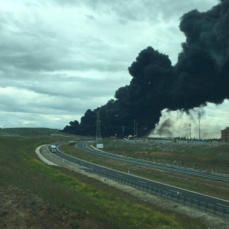 100 тысяч тонн горящих шин в Испании