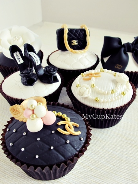 chanel cupcakes (do over..) @Geanina Hent Hent Hent Filip