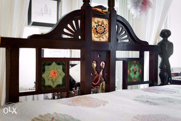 546905948482763337 on Antique Beds