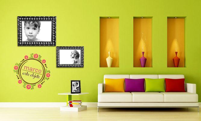 Dale un toque de elegancia a tus fotografías. Recuerda que si tienes paredes brillantes, lo mejor son las fotos blanco y negro con un marco elegante.  #marco #arte #objeto #casa #decoracion