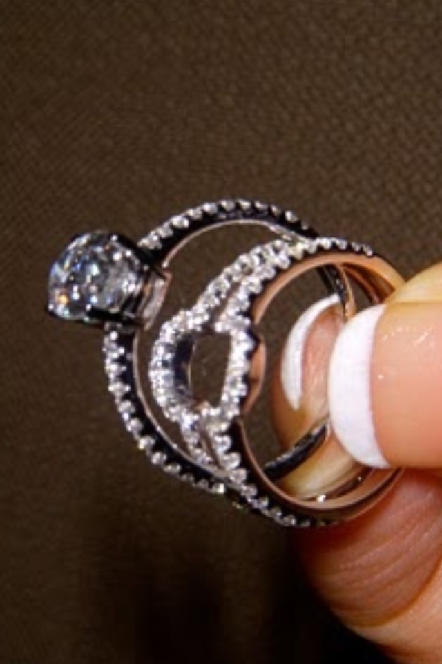 I Love This Idea Engagement Ring Fits Into The Wedding Band Hate Off Look Of A With Only One