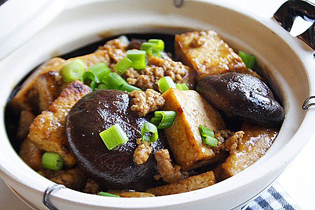 Braised bean curd (extra firm tofu) with mushroom in clay pot. Sub soy ...