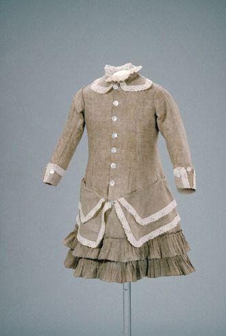Circa 1875-1880 child's linen dress