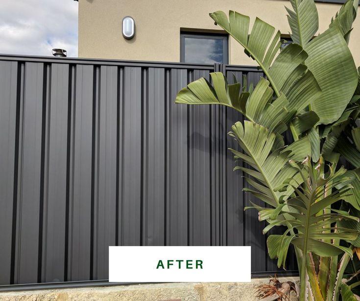 Charcoal colorbond really makes the plants POP https://fencemakeovers.com.au