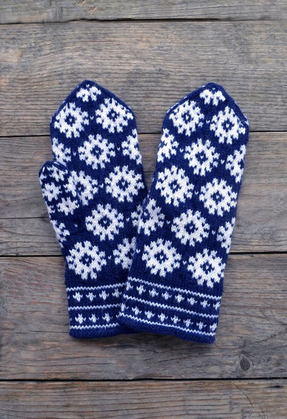 Wool Mittens  Navy Blue And White Gloves  Christmas by lyralyra