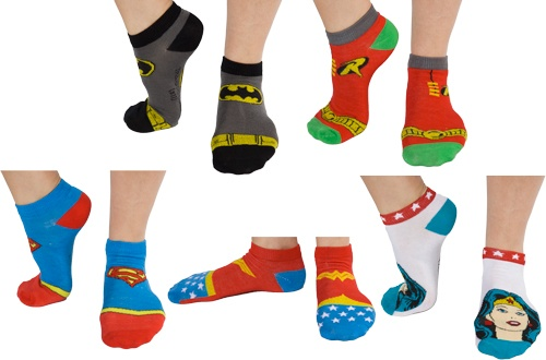 These Super Hero Socks feature the logo for Batman, Robin, Superman and Wonder Woman. 5 pairs total!