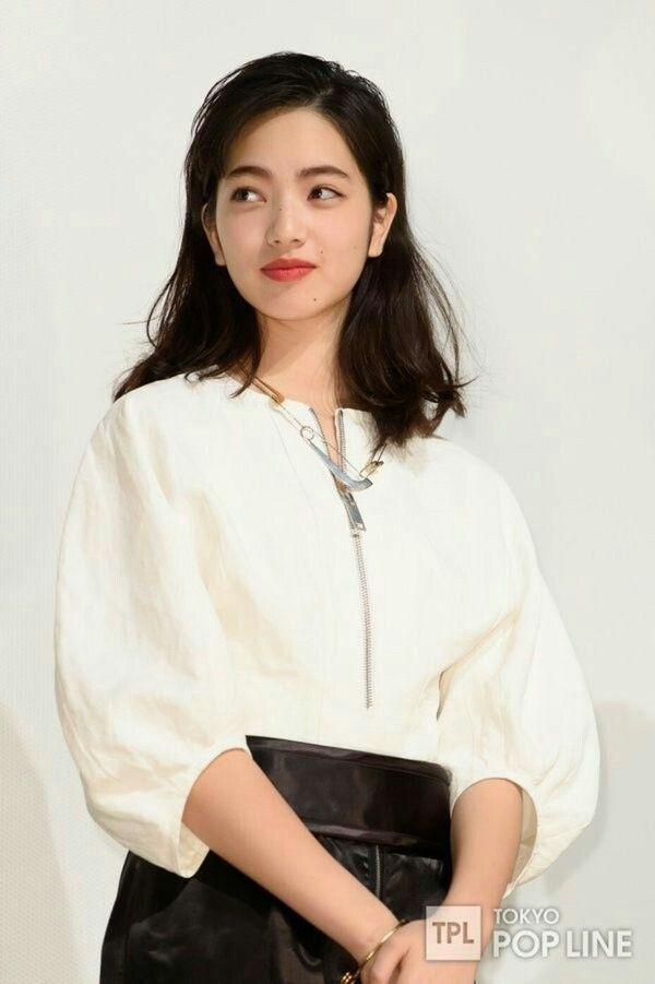 Asian girl in kimono giving blowjob for guy 6
