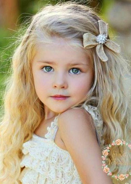 Hymen little girl with blonde hair