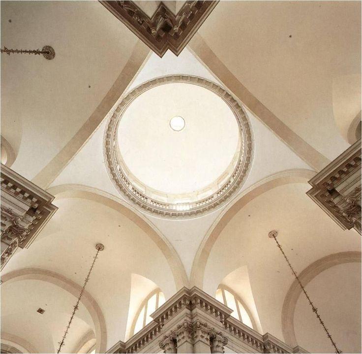 Venezia, Basilica di San Giorgio Maggiore, opera del Palladio. Veduta interna della cupola.  Dottrina dell'Architettura