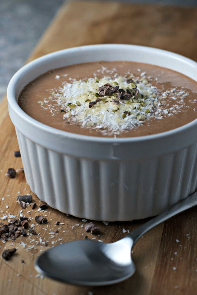 Almond Joy Superfood Smoothie Bowl ~vegan, gluten free~ A delicious blend of hemp seeds, raw cacao, coconut and chia seeds!