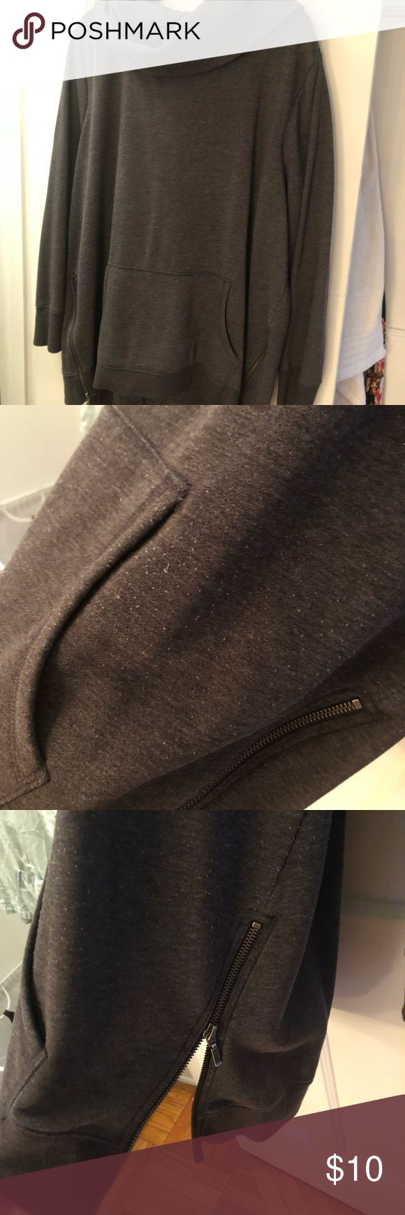 Athleisure cowl neck sweatshirt with zipper detail Comfy and hooded with functioning pockets this is perfect for a workout or a chill day at home. Zipper Detail unzips! This is definitely worn hence the low price. Old Navy Tops Sweatshirts & Hoodies