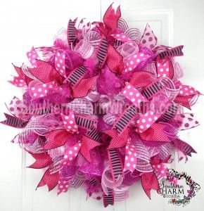 Best 25+ Mesh ribbon wreaths ideas on Pinterest | Deco mesh ...