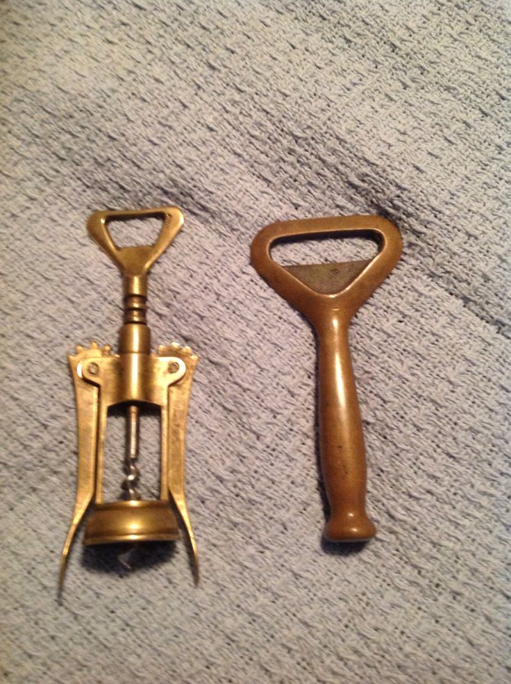 370 kr. Vintage European bar ware corkscrew/bottle opener brass by junkween on Etsy https://www.etsy.com/dk-en/listing/255615687/vintage-european-bar-ware