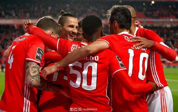 """10.9 m Gostos, 17 Comentários - Sport Lisboa e Benfica Oficial (@slbenfica) no Instagram: """"Sexta-feira há mais!  #SLBxGDC"""""""